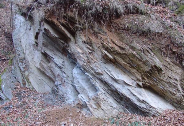 Roci metamorfice pe Valea Ierții